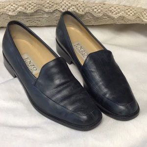 Enzo Angiolini navy leather soft work loafer